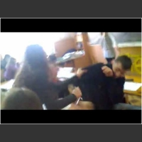 Co się k**wa gapisz?! Rudy przyjmuje szybką petardę na ryj od klasowego kozaka!